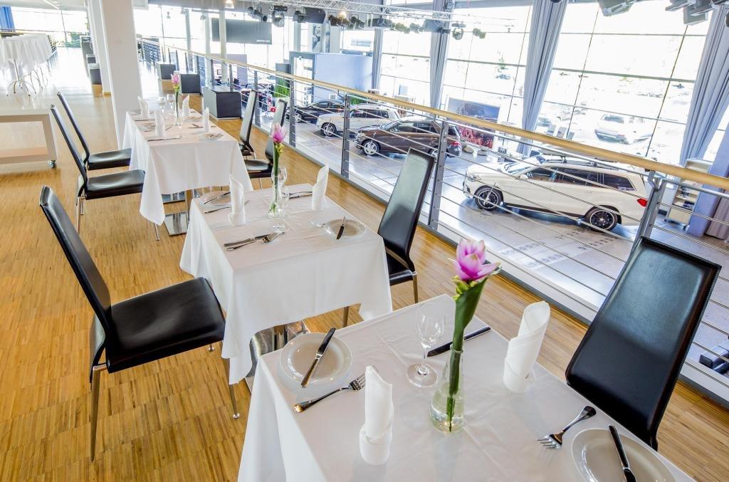 Mb food about restaurant mercedes bar caf o for Food bar somerset mb